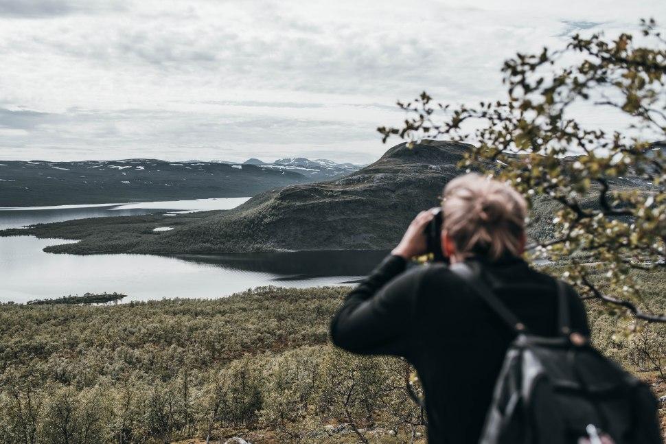 Kilpisjärven maisemat Saana-tunturin kupeesta.